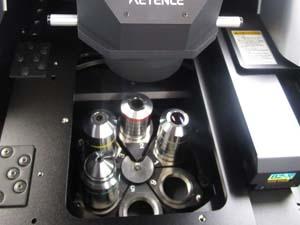 キーエンス  オールインワン蛍光顕微鏡 レンズ設置